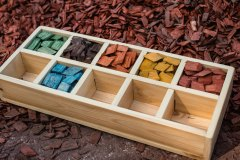 Colored_wood_-chips-1